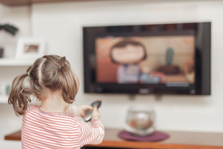 Les écrans : télé, smartphone, tablette, à partir de quel âge ?