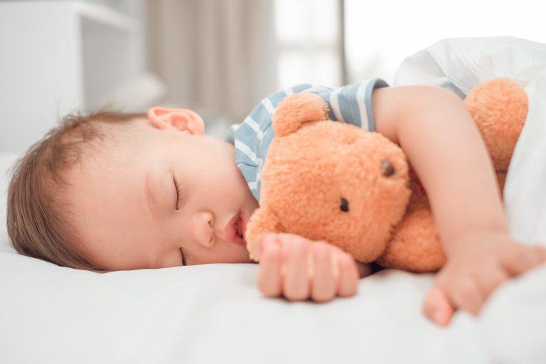 Tout ce qu'il ne faut pas croire sur le sommeil des bébés