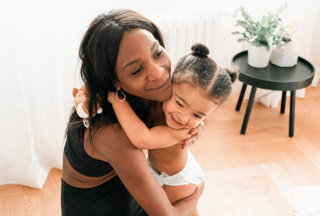 Apprendre à en faire moins dans ma vie de maman overbookée m'a rendu meilleure