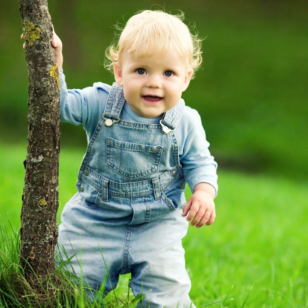 Réglons le casse-tête pour habiller bébé au printemps