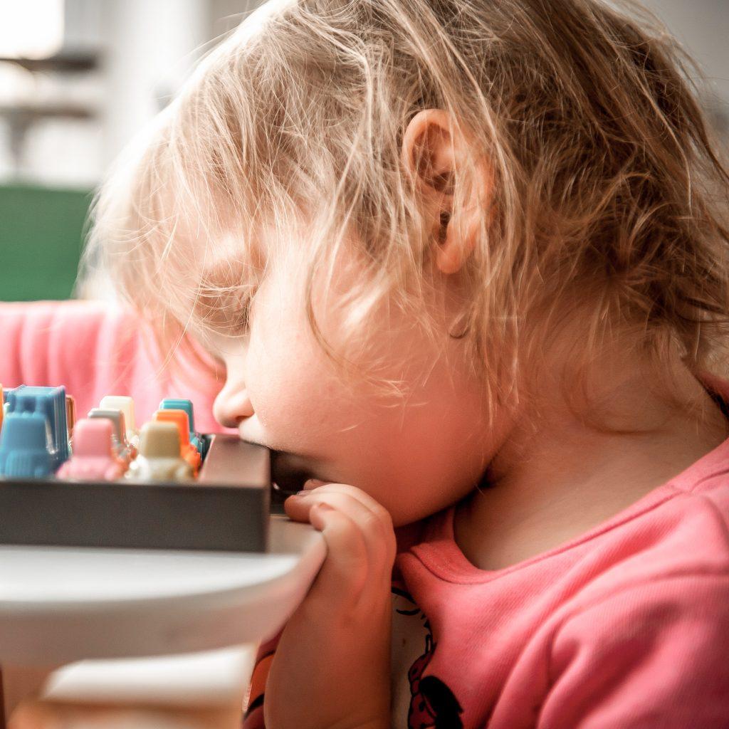 Mon enfant est épuisé… La charge mentale des plus jeunes on y pense pas assez ?