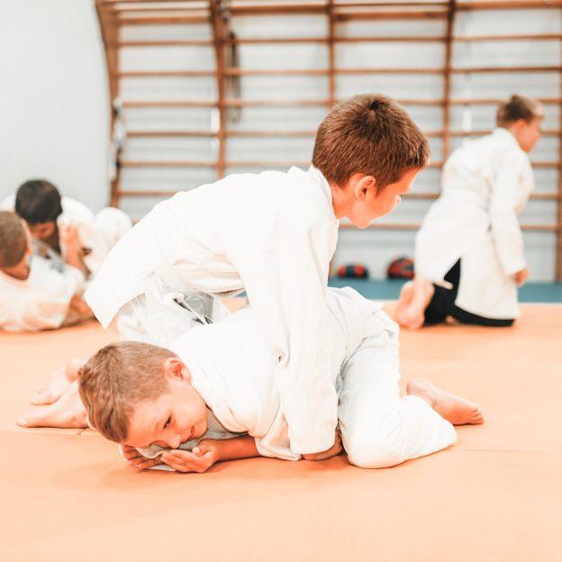 Judo, boxe, il veut à tout prix pratiquer un sport de combat…c'est risqué ?